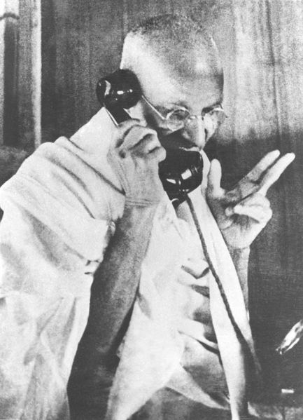 433px-Gandhi_telephoning